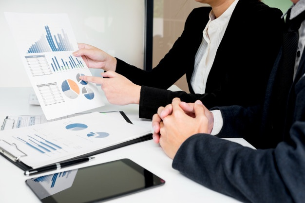 administrator-business-man-financial-inspector-and-secretary-making-report-calculating-balance-internal-revenue-service-checking-document-audit-concept_1423-1621